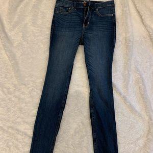 dark wash, high rise, hollister jeans